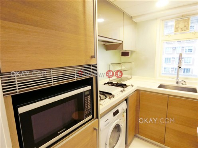 Elegant 2 bedroom with balcony | Rental, Centrestage 聚賢居 Rental Listings | Central District (OKAY-R63013)