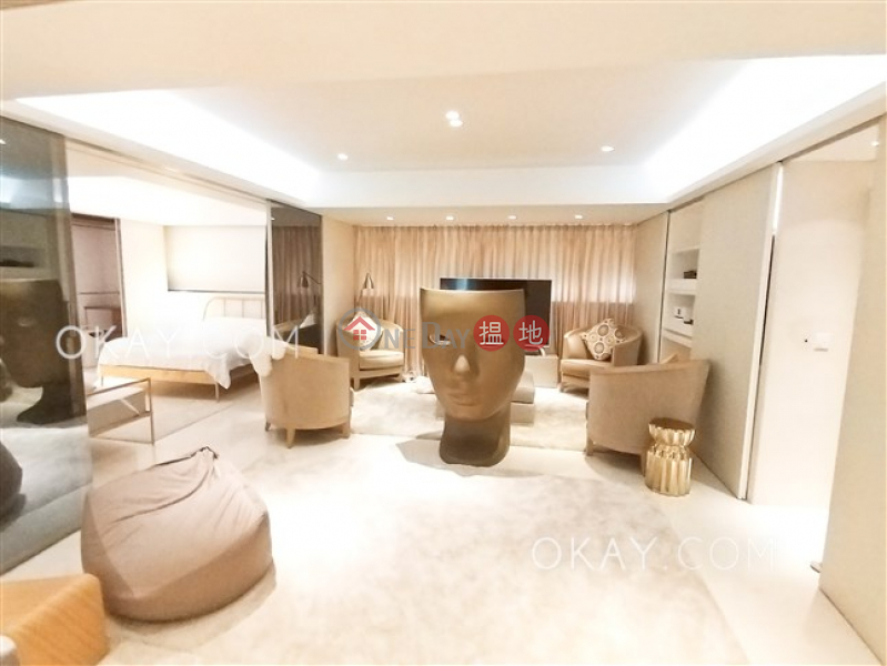 Efficient 2 bedroom with terrace & parking | Rental | Wing Hong Mansion 永康大廈 Rental Listings
