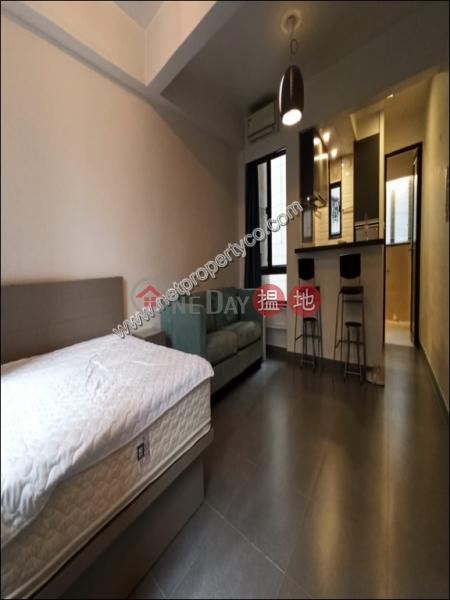 Classy Elegant Stylish Renovated 21些利街   西區香港-出租-HK$ 22,000/ 月