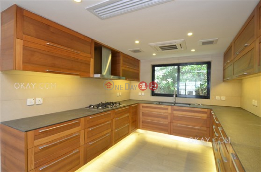 Tasteful house on high floor with rooftop & balcony | For Sale | Mau Po Village 茅莆村 Sales Listings