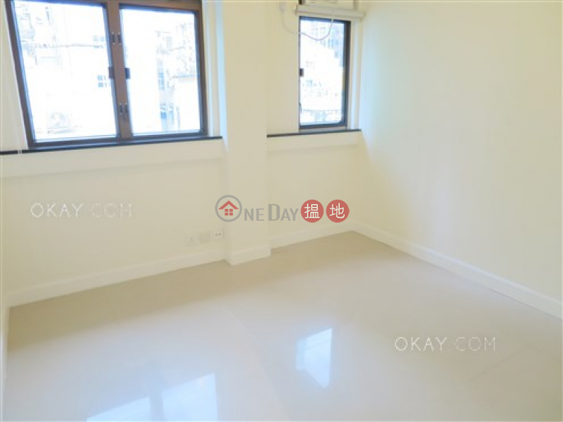 Gorgeous 2 bedroom on high floor with rooftop | For Sale | King Inn Mansion 景怡大廈 Sales Listings