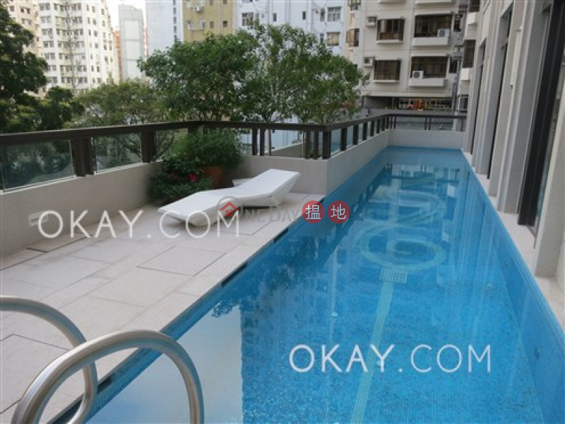 HK$ 27,800/ month The Pierre Central District, Elegant 1 bedroom with balcony | Rental