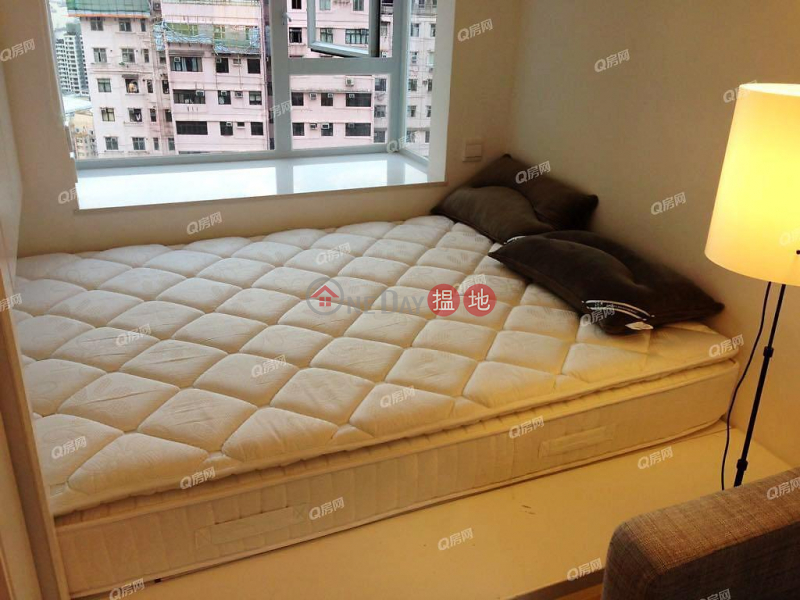 HK$ 18,000/ month | Windsor Court | Western District, Windsor Court | Flat for Rent