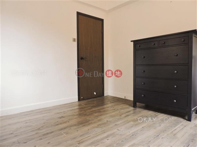HK$ 33,000/ month, Mandarin Villa Wan Chai District, Luxurious 2 bedroom on high floor with parking | Rental