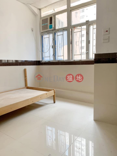 For lease (without agency fee)-1 min walk from North Point MTR station, 461-463 King\'s Road   Eastern District   Hong Kong Rental   HK$ 5,300/ month