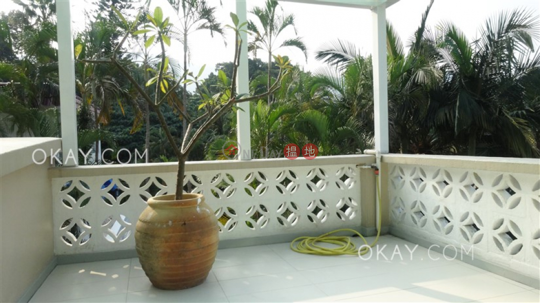 HK$ 35M | Tai Hang Hau Village Sai Kung Luxurious house with sea views, terrace & balcony | For Sale