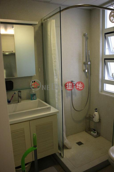 HK$ 17,500/ month, Low Block Vincent Mansion, Wan Chai District Flat for Rent in Low Block Vincent Mansion, Wan Chai