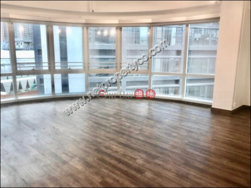 A partial furnished office in Sheung Wan, Trade Centre 文咸東街135商業中心 Rental Listings   Western District (A002103)