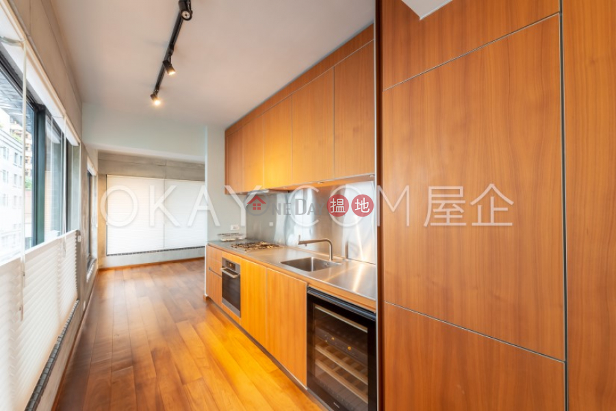 HK$ 27M   Kwai Hoi Lau Central District   Gorgeous 2 bedroom in Sheung Wan   For Sale