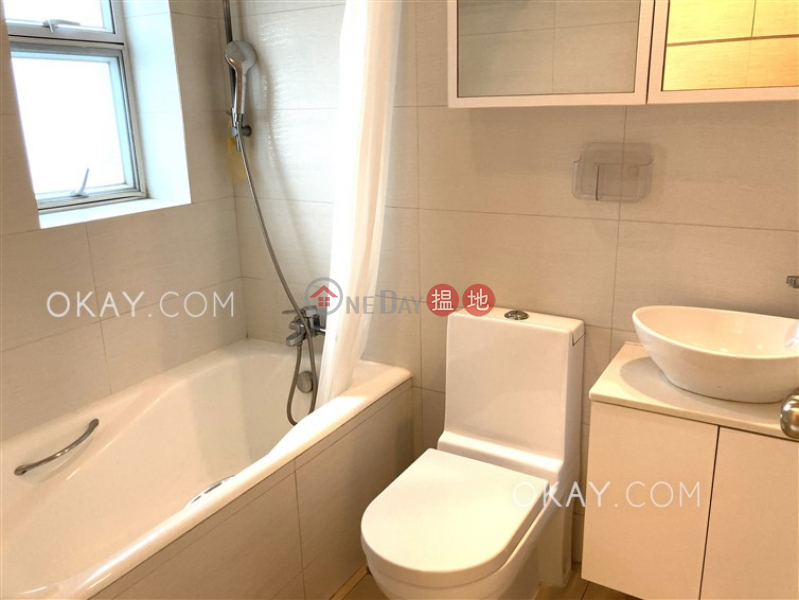 Royal Court Middle Residential, Rental Listings | HK$ 33,000/ month