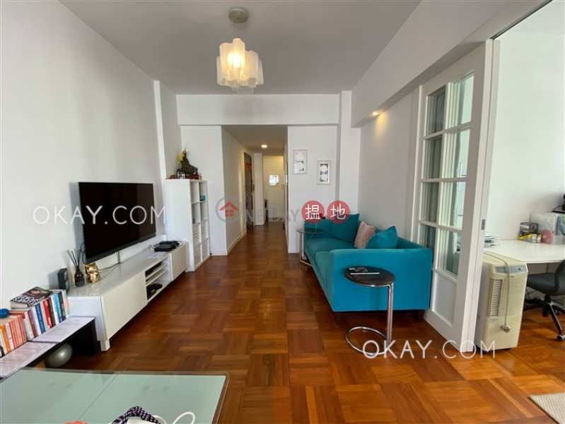 Efficient 2 bedroom with balcony | Rental | 5H Bowen Road 寶雲道5H號 Rental Listings