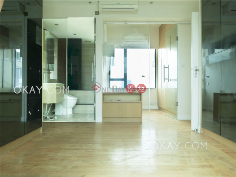 HK$ 35,000/ month Ying Piu Mansion, Western District, Elegant 2 bedroom on high floor | Rental