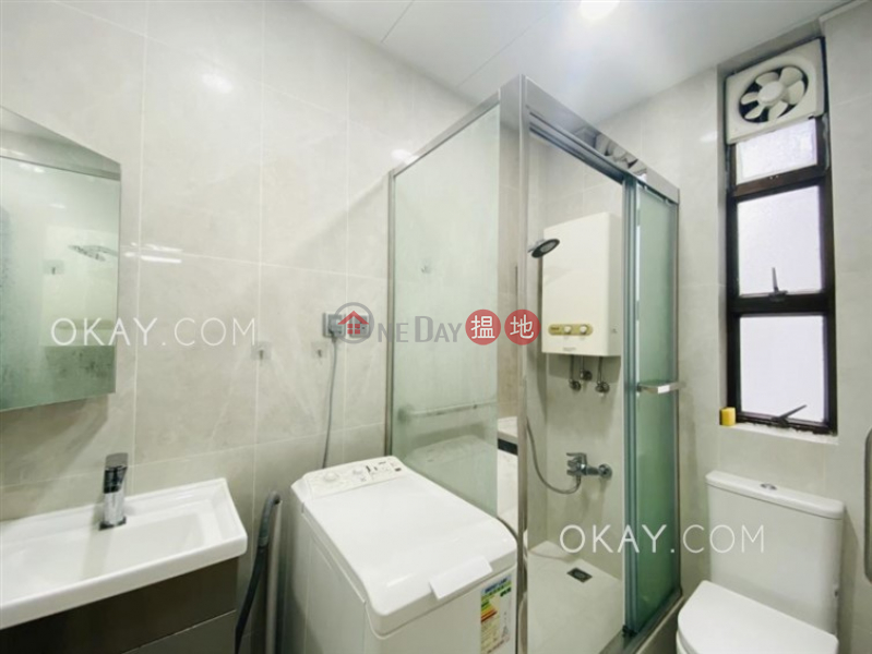 Generous 2 bedroom on high floor | Rental | Dragon Centre Block 2 龍濤苑2座 Rental Listings