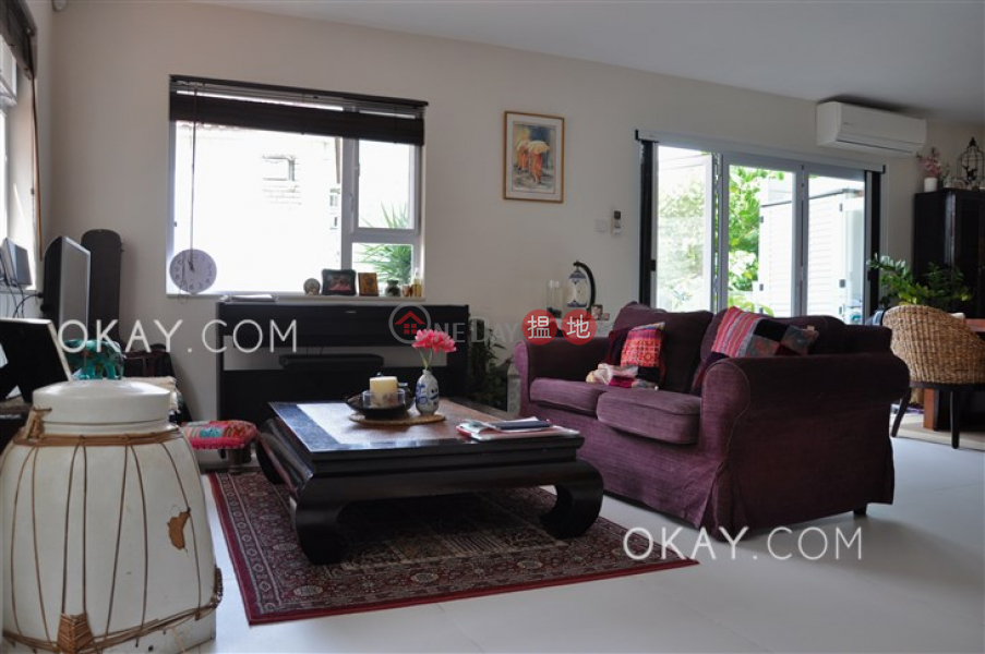 Nicely kept house with rooftop, balcony   For Sale   Ho Chung New Village 蠔涌新村 Sales Listings