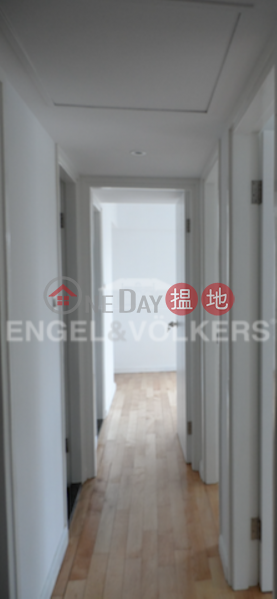 HK$ 16M, Royal Court Wan Chai District, 3 Bedroom Family Flat for Sale in Wan Chai