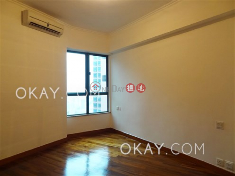 HK$ 40,000/ month | Hillsborough Court | Central District, Charming 2 bedroom on high floor with parking | Rental