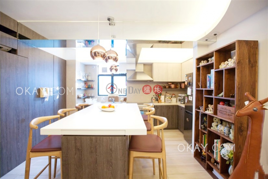 Gorgeous 3 bedroom on high floor with rooftop & parking | For Sale | Regent Palisades 帝柏園 Sales Listings