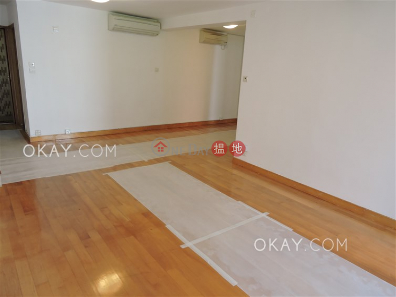 Luxurious 3 bedroom with balcony & parking | Rental 39 Kennedy Road | Wan Chai District Hong Kong | Rental HK$ 43,000/ month
