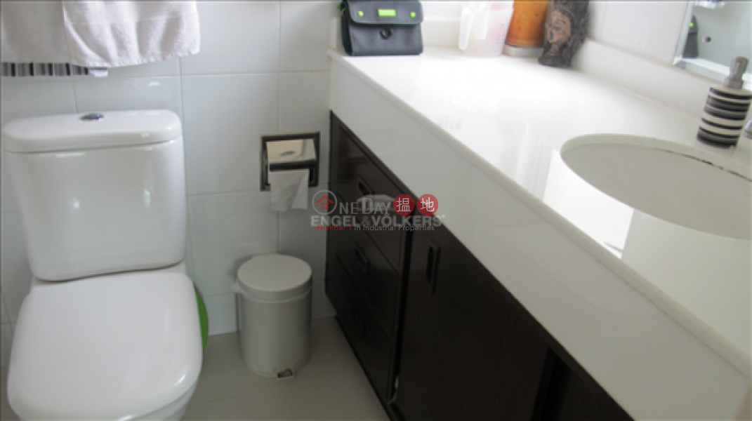 3 Bedroom Family Flat for Sale in Mid Levels - West | Skyview Cliff 華庭閣 Sales Listings