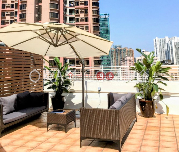 Luxurious 3 bed on high floor with rooftop & balcony   For Sale   35-41 Village Terrace 山村臺35-41號 Sales Listings
