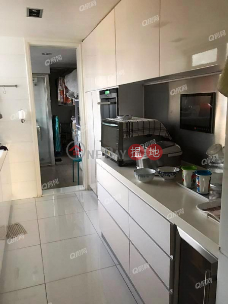Discovery Bay, Phase 14 Amalfi, Amalfi One | 4 bedroom Mid Floor Flat for Sale | Discovery Bay, Phase 14 Amalfi, Amalfi One 愉景灣 14期 津堤 津堤1座 Sales Listings