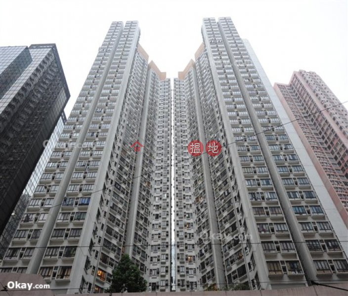 HK$ 8.8M | Fortress Metro Tower, Eastern District, Unique 2 bedroom on high floor | For Sale