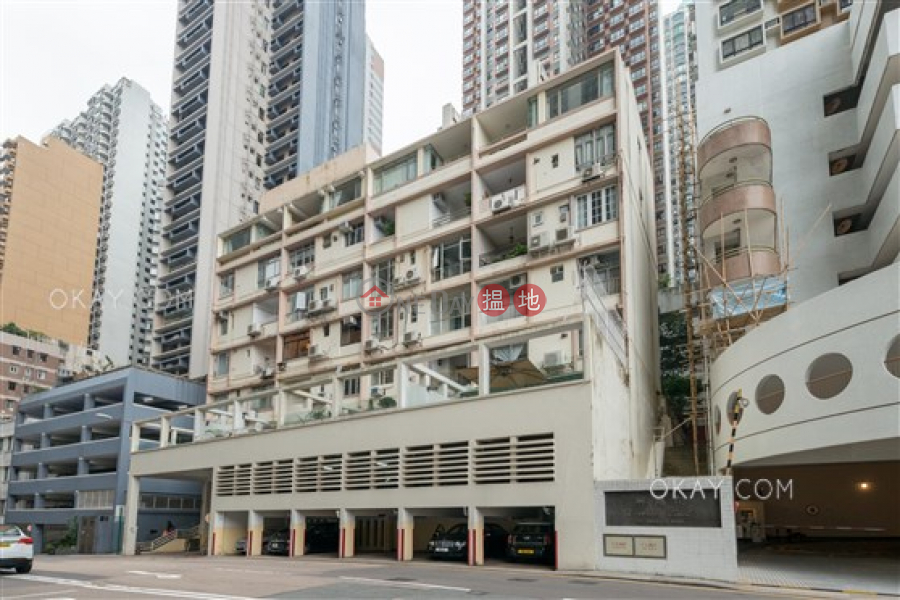 HK$ 58,000/ month Robinson Mansion Western District, Stylish 3 bedroom with balcony | Rental