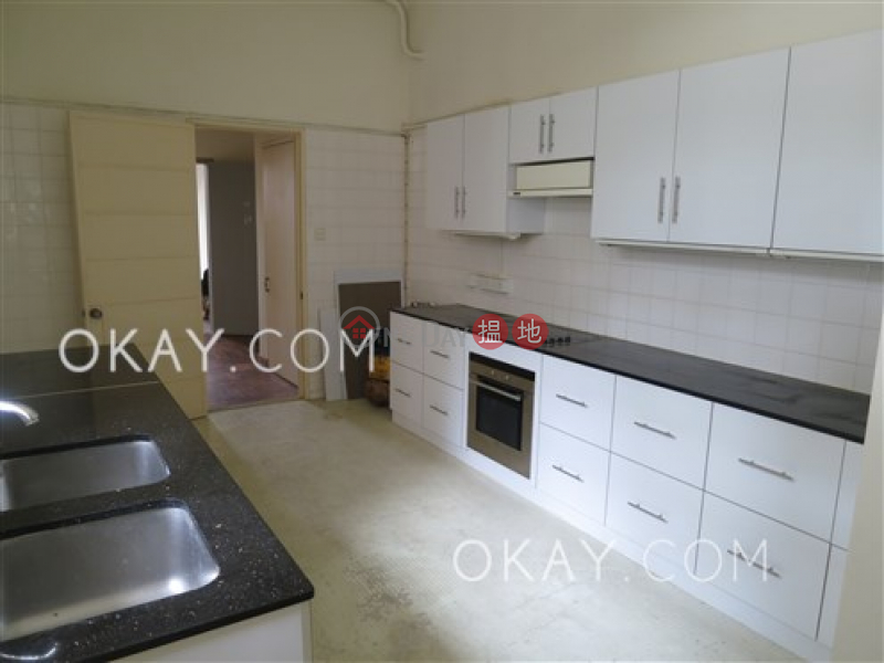 Beautiful 2 bedroom with parking | Rental | 5-7 Broom Road 蟠龍道5-7號 Rental Listings