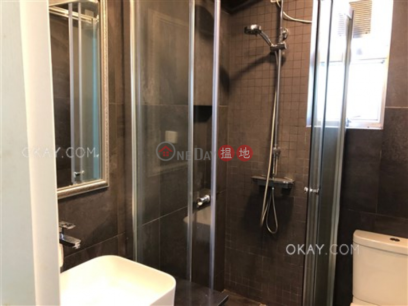 香港搵樓|租樓|二手盤|買樓| 搵地 | 住宅-出租樓盤-2房2廁,實用率高,極高層,馬場景《金鞍大廈出租單位》