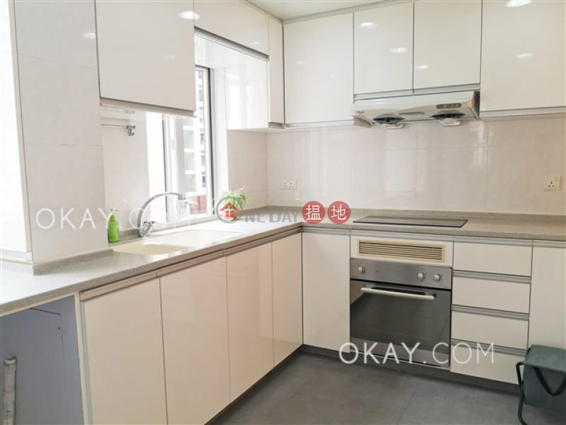 Rare 3 bedroom with balcony & parking | Rental 10 Castle Road | Western District, Hong Kong | Rental | HK$ 47,000/ month