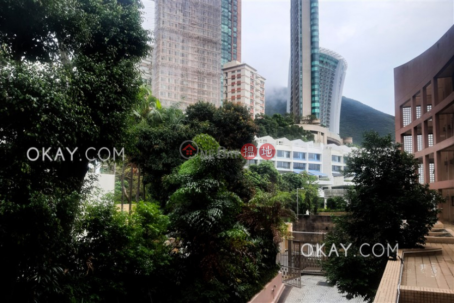 HK$ 45,000/ month   The Beachside   Southern District, Stylish 2 bedroom with parking   Rental