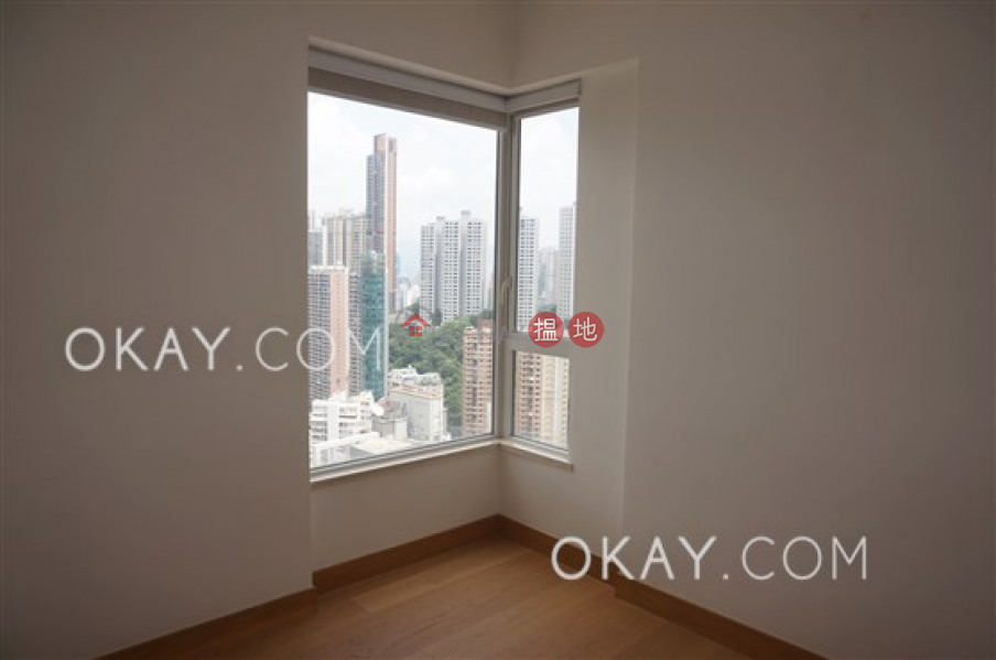 Property Search Hong Kong | OneDay | Residential Sales Listings | Exquisite 3 bedroom on high floor with parking | For Sale