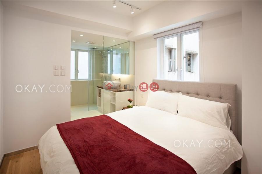 Gorgeous 1 bedroom on high floor with rooftop | Rental | Wing Lok Mansion 永樂大廈 Rental Listings