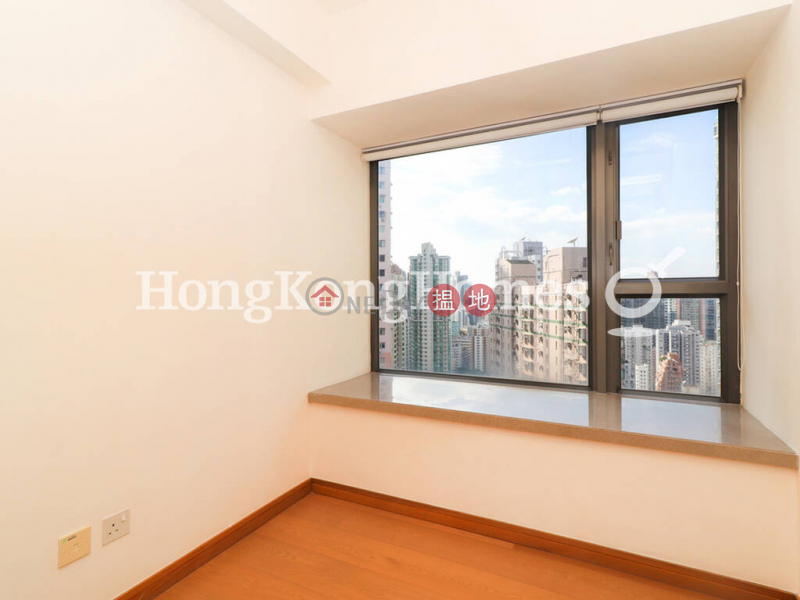 3 Bedroom Family Unit for Rent at Centre Point 72 Staunton Street | Central District, Hong Kong | Rental, HK$ 39,000/ month