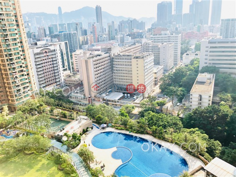 HK$ 23.88M, Parc Palais Tower 7 | Yau Tsim Mong, Luxurious 3 bedroom with balcony | For Sale