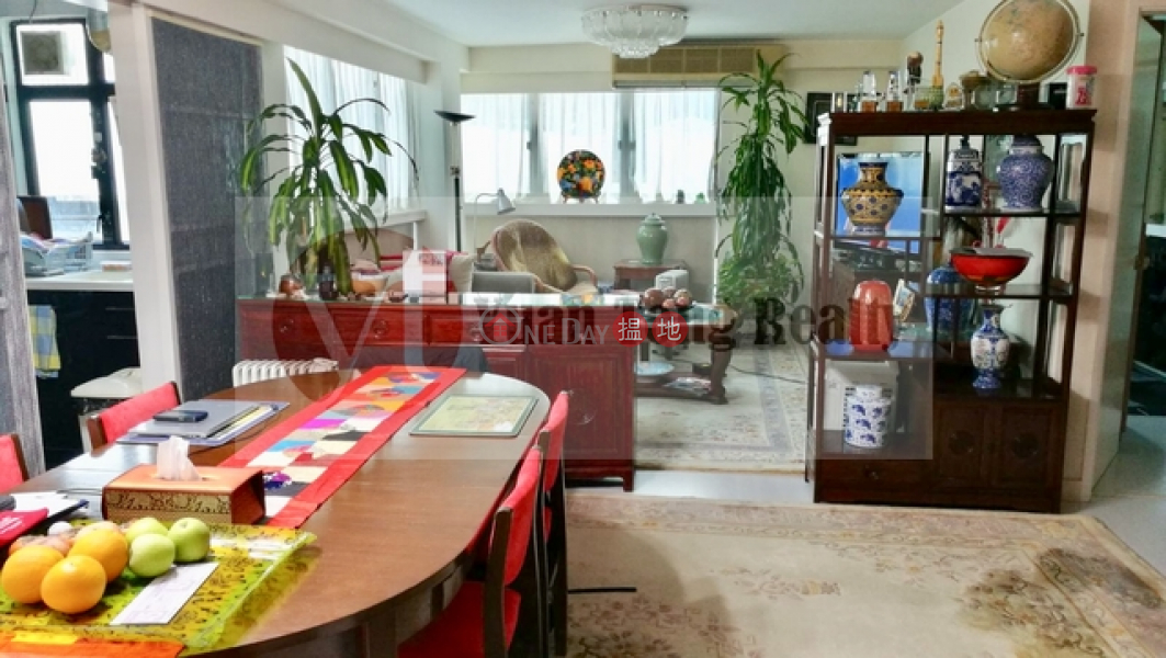 Midlevel-east cosy home, Crescent Heights 月陶居 Sales Listings | Wan Chai District (INFO@-2300793688)