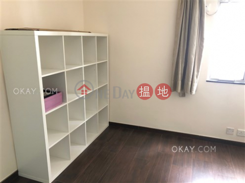 Efficient 3 bedroom with balcony & parking   For Sale Block C Dragon Court(Block C Dragon Court)Sales Listings (OKAY-S377131)_0