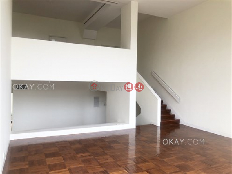 Efficient 4 bedroom with terrace & parking   Rental   House A1 Stanley Knoll 赤柱山莊A1座 Rental Listings