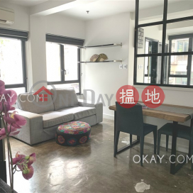 Popular studio with rooftop | For Sale