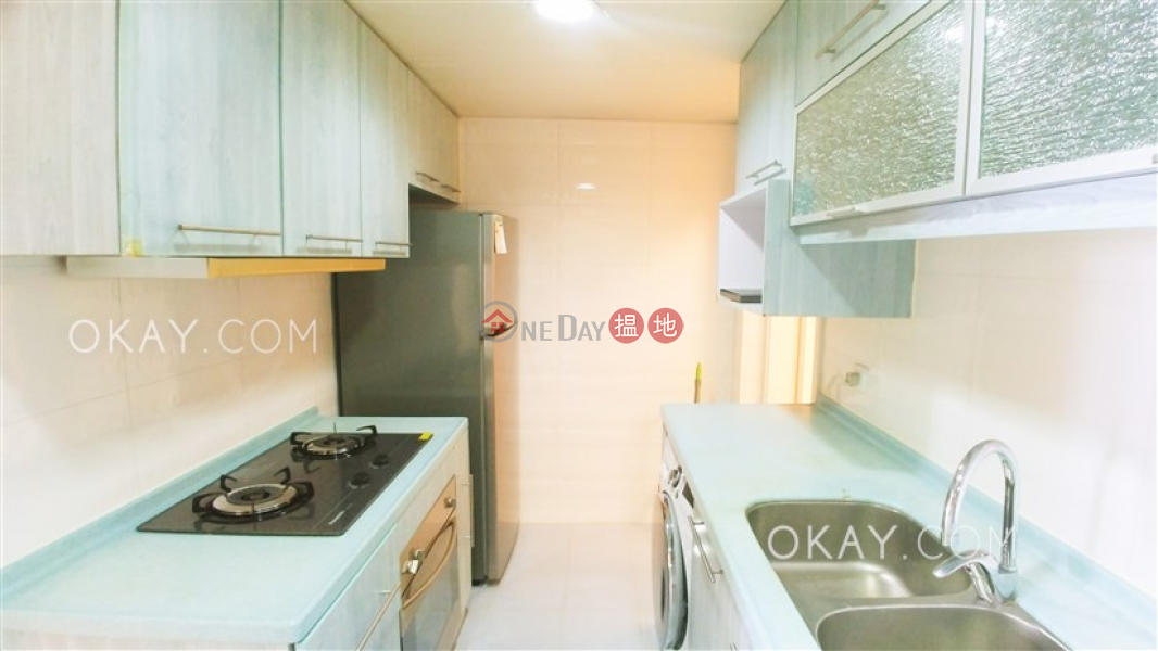 Stylish 2 bedroom on high floor with sea views | For Sale 13-33 Moreton Terrace | Wan Chai District Hong Kong, Sales | HK$ 15.5M
