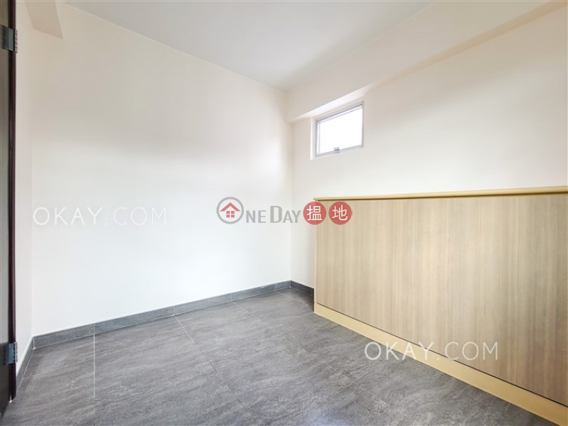HK$ 28,000/ month, FESSENDEN COURT Kowloon City   Cozy 3 bedroom on high floor with parking   Rental