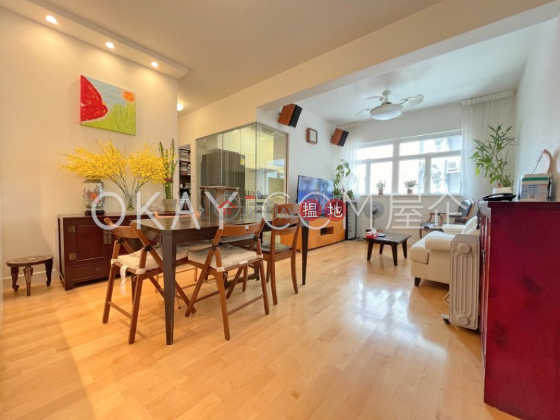 Luxurious 2 bedroom with parking   For Sale   Shan Kwong Tower 山光苑 Sales Listings