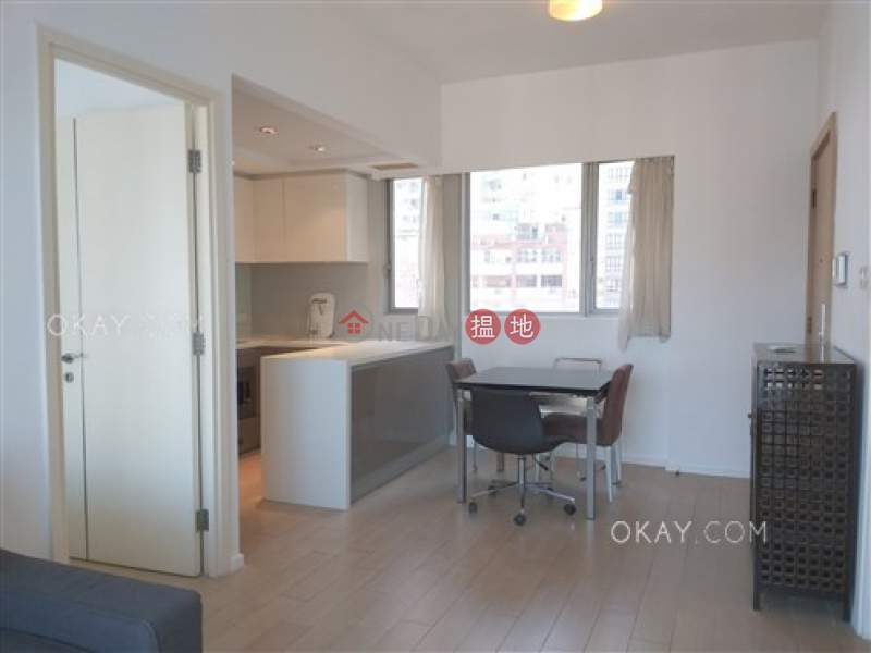 HK$ 35,000/ month | Soho 38, Western District Unique 2 bed on high floor with harbour views & balcony | Rental