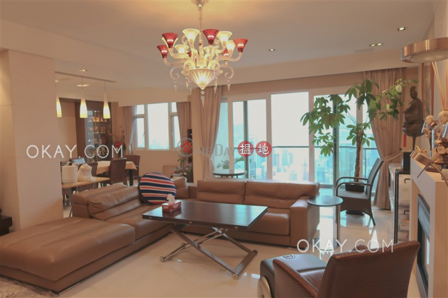 Property Search Hong Kong | OneDay | Residential, Rental Listings | Beautiful 3 bed on high floor with racecourse views | Rental