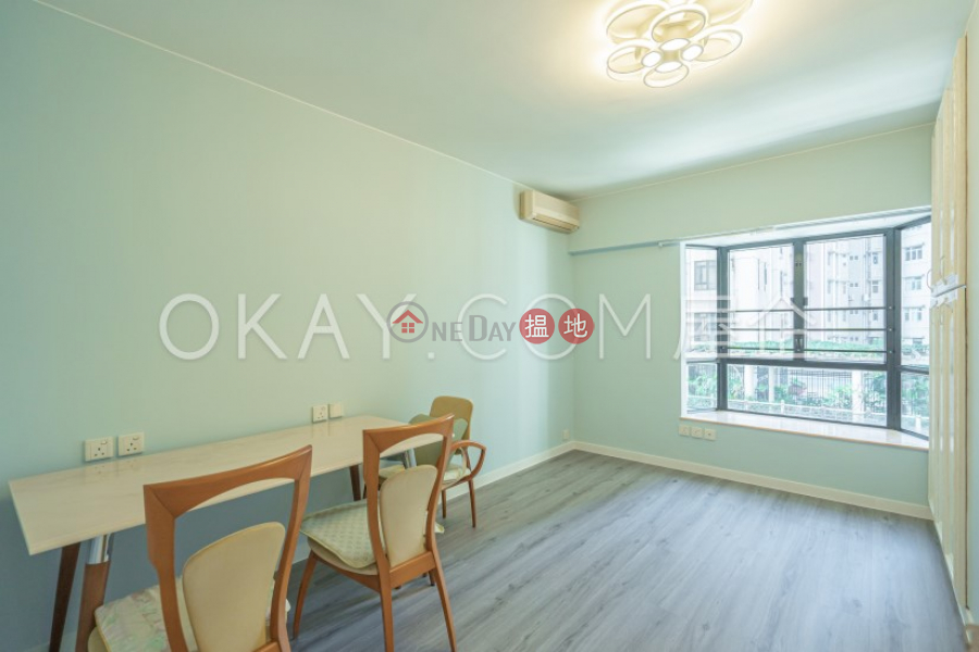 HK$ 37.9M | Yukon Court Western District | Gorgeous 3 bedroom with balcony & parking | For Sale