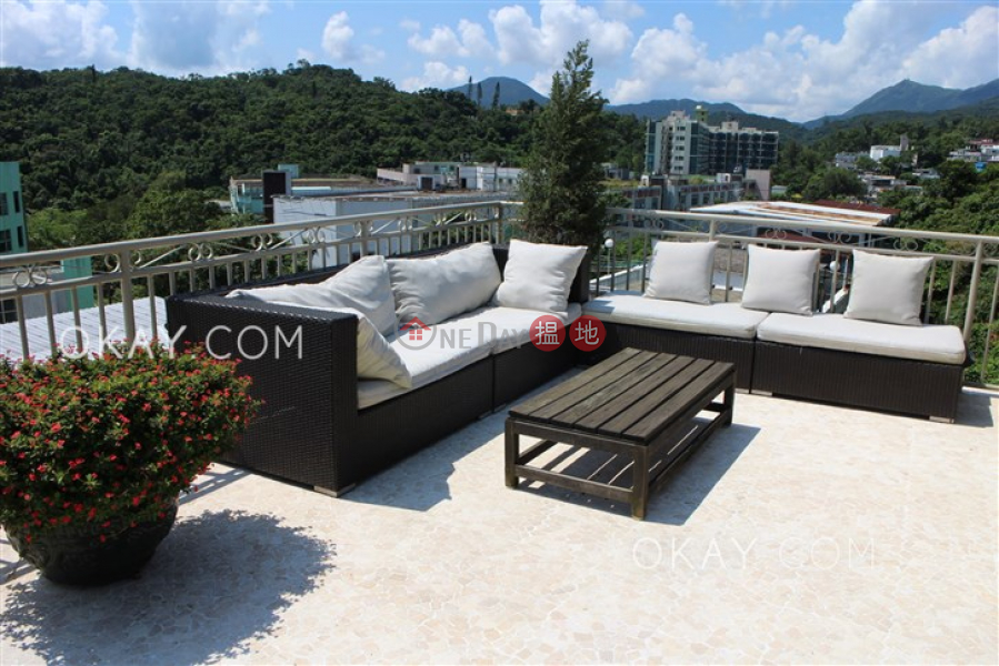 HK$ 9.8M Sun King Terrace | Sai Kung | Lovely house on high floor with sea views & rooftop | For Sale