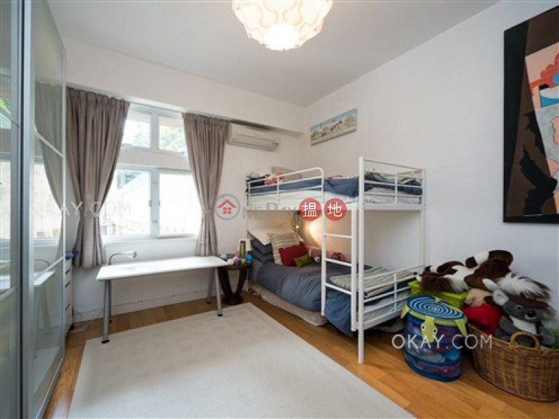 HK$ 55,000/ month, Fulham Garden | Western District | Efficient 3 bedroom with balcony & parking | Rental