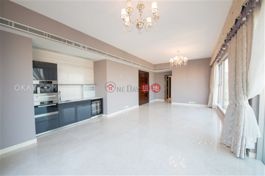 HK$ 120,000/ month The Summa, Western District | Beautiful penthouse with harbour views, terrace | Rental