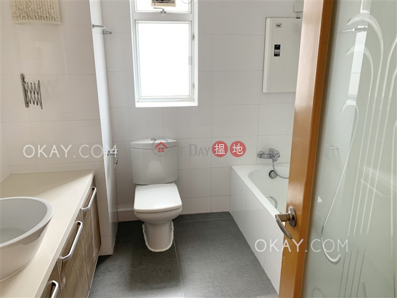 香港搵樓|租樓|二手盤|買樓| 搵地 | 住宅出售樓盤4房2廁,實用率高,極高層,連車位《秀麗閣出售單位》