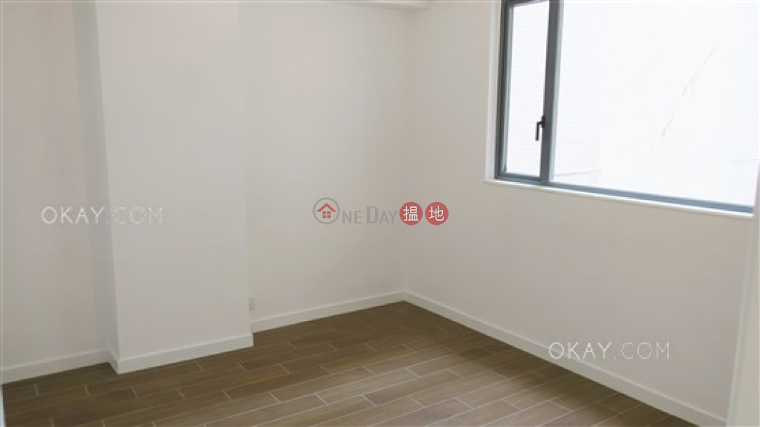 Rare 3 bedroom with balcony & parking | For Sale | Sunrise Court 金輝園 Sales Listings